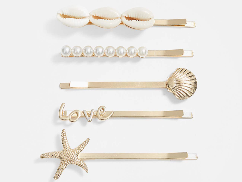 Set of metal hair pins by Stradivarius at City Centre Mirdif