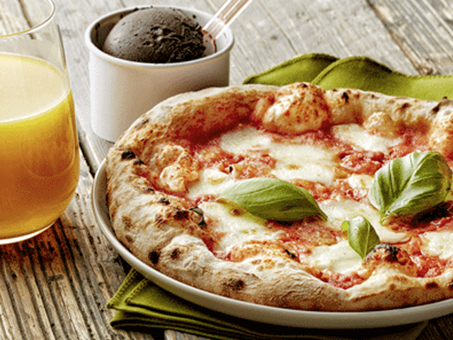 A kids' meal at 800 Degrees Neapolitan Pizzeria